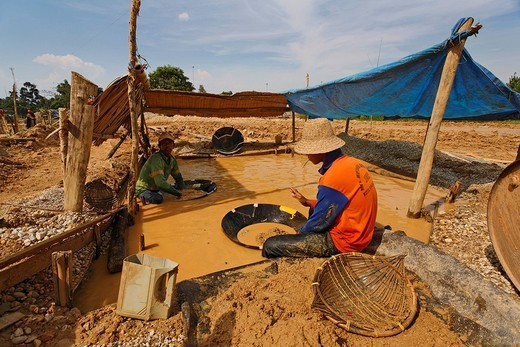 Worker in diamond mine, Cempaka, South_Kalimantan, Borneo, Indonesia : Stock Photo