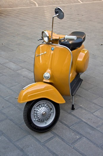 Piaggio Vespa 50 special, 1965, restored Italian vintage scooter : Stock Photo