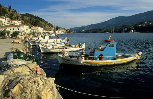 Fishingboats in the harbour of Poros, saronian islands Greece : Stock Photo