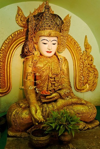 Gilded Buddha Statue in the Paleik snake temple, Burma, Myanmar, Asia : Stock Photo