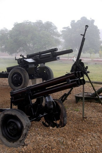 First Indochina War 1954, old French artillery guns, Dien Bien Phu museum, Vietnam, Southeast Asia, Asia : Stock Photo