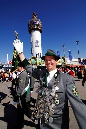 Procession wearing traditional costumes, Wies´n, Oktoberfest, Munich, Bavaria, Germany, Europe : Stock Photo