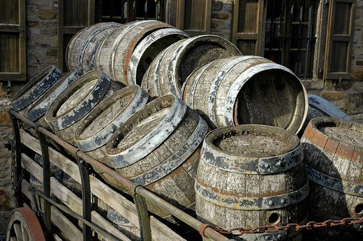 Stock Photo: 1848-154914 Old beer kegs on a cart in front of the brewery, Westphalian Open_Air Museum Hagen, Road of Industry Culture, North Rhine_Westphalia, Germany