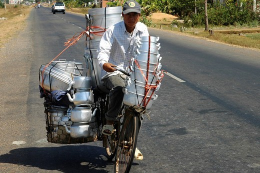 Transport artist Vietnam : Stock Photo
