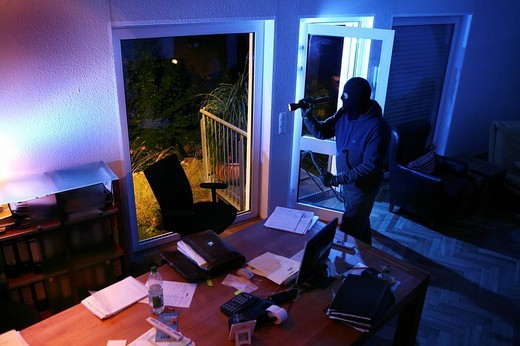 Stock Photo: 1848-157230 Buglar, burglary