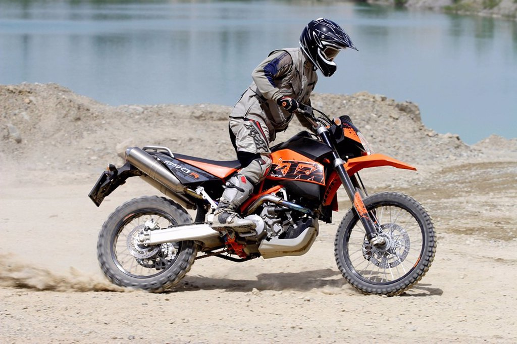 Motorcyclist, KTM 950R Super Enduro : Stock Photo