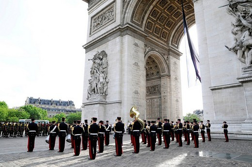 Parade with veterans, Arc de Triomphe, Paris, France, Europe : Stock Photo
