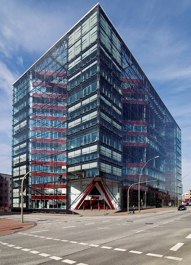 Doppel X prizewinning commercial office building designed by architects Bothe, Richter and Teherani, Heidenkampsweg, Hamburg, Germany : Stock Photo