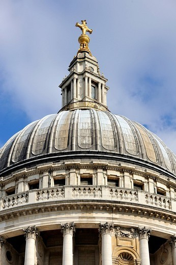 Dome of St. Paul´s Cathedral in London, England, United Kingdom, Europe : Stock Photo
