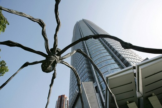 Sculpture Maman_Spider of Louise Bourgeois, Mori Tower, Mori Art Museum, Roppongi Hills, Tokyo, Japan, Asia : Stock Photo