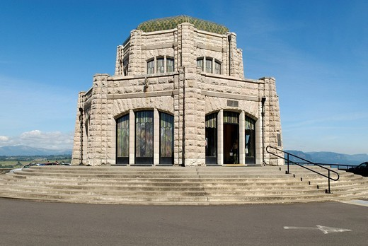 Stock Photo: 1848-16962 Crown Point viewpoint, Columbia Gorge, Oregon, USA