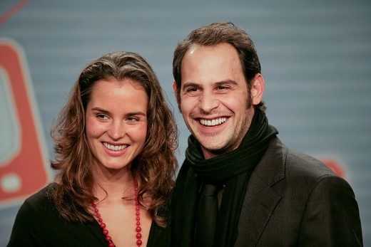 Stock Photo: 1848-173243 Simone Hanselmann and Moritz Bleibtreu, opening night of the movie Free Rainer _ dein Fernseher luegt by director Hans Weingartner, 03.11.2007, cinema of the Kulturbrauerei, Berlin, Germany