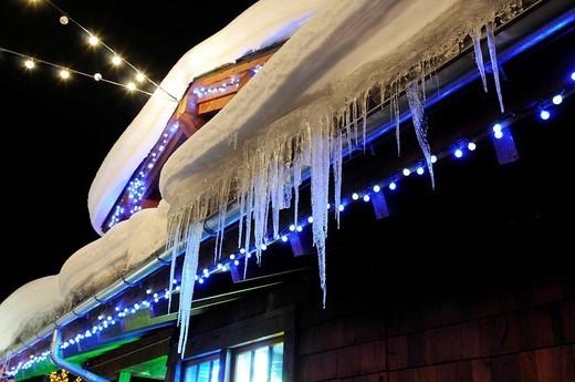Icicles on the Zizzo Ski Bar roof in the Copper Mountain ski area, Colorado, USA, North America : Stock Photo