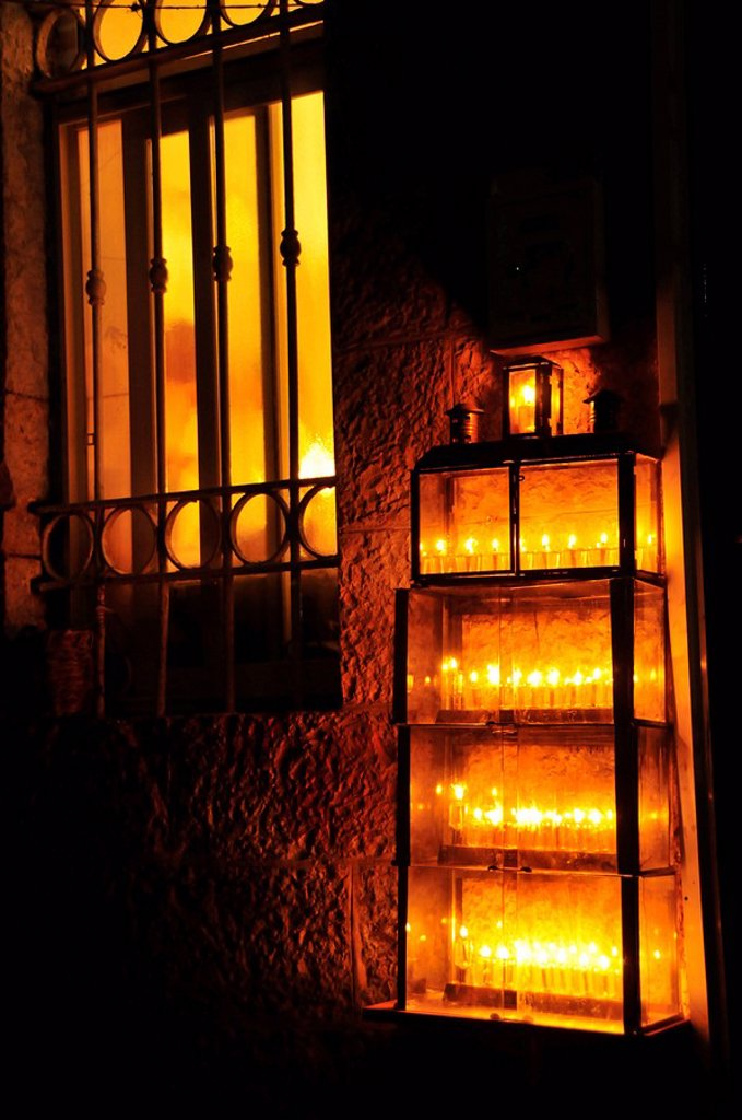 Candles in front of a front door at the Jewish Hanukkah festival, Jerusalem, Israel, Near East, Orient : Stock Photo