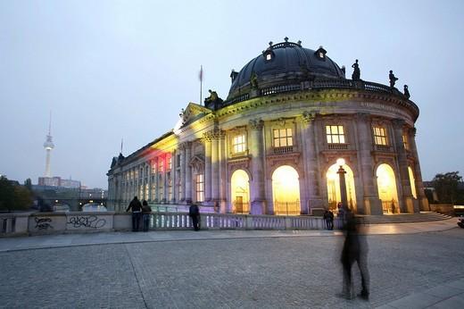 Bodemuseum museum at dusk, Museumsinsel museum island, Berlin, Germany, Europe : Stock Photo