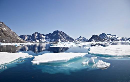 Ice floes in Sermiligâq Fjord, Ammassalik District, East Greenland, Greenland, Denmark, Europe : Stock Photo