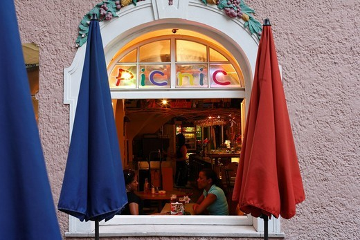 Stock Photo: 1848-179994 Café Picnic in Judengasse, Salzburg, Austria, Europe