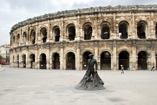 Colosseum, Torero statue, Nîmes, Nimes, Gard, Languedoc Roussillon, France, Europe : Stock Photo