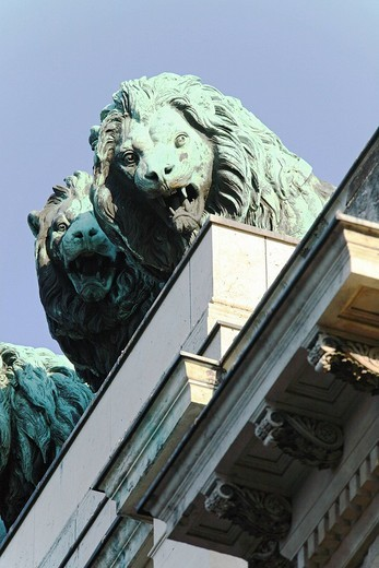 Lions on the Siegestor or Victory Gate, Munich, Bavaria, Germany, Europe : Stock Photo