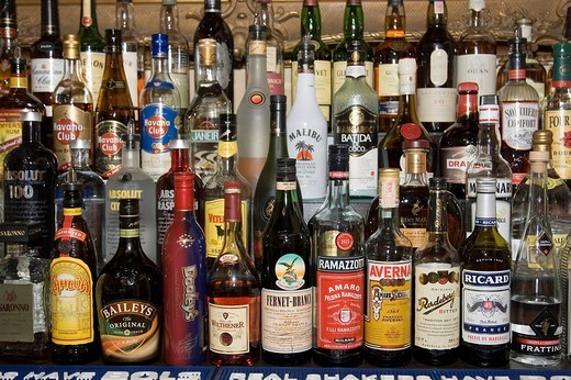 Stock Photo: 1848-183360 Alcoholic beverages