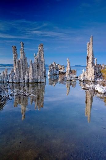 Stock Photo: 1848-18439 Strange tuff rock formations, Mono Lake alkaline lake, Lee Vining, California, USA