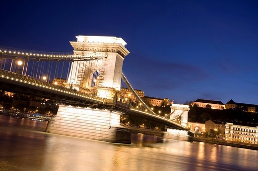 Chain Bridge and Danube river at night, Budapest, Hungary, Eastern Europe : Stock Photo