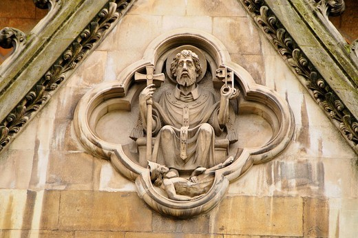 Detail of the Gothic facade of Westminster Abbey, coronation church and burial place of the English kings, London, England, Great Britain, Europe : Stock Photo