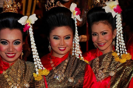 Stock Photo: 1848-193156 Dancers at a historic show, Wat Pra Mahathat, Ayuthaya, Thailand