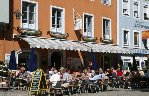 Street cafe in Bad Reichenhall, Berchtesgadener Land or County, Bavaria, Germany, Europe : Stock Photo