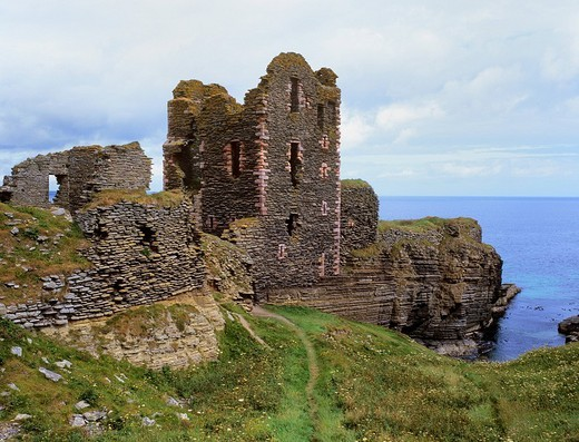 Ruins of Sinclair & Girnigoe Castle on cliffs, Noss Head, Scotland, United Kingdom, Europe : Stock Photo