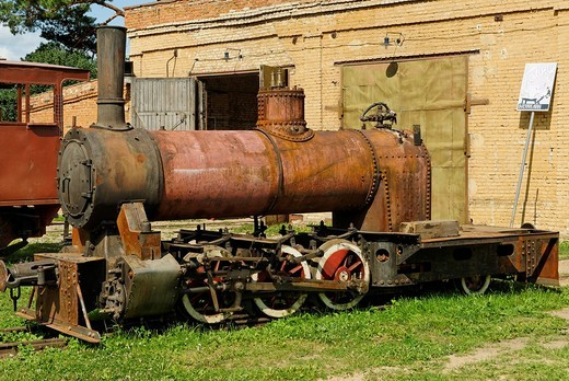 Old narrow_gauge steam locomotive, Narrow_gauge Railroad Museum in Pereslavl_Zalessky, Russia : Stock Photo