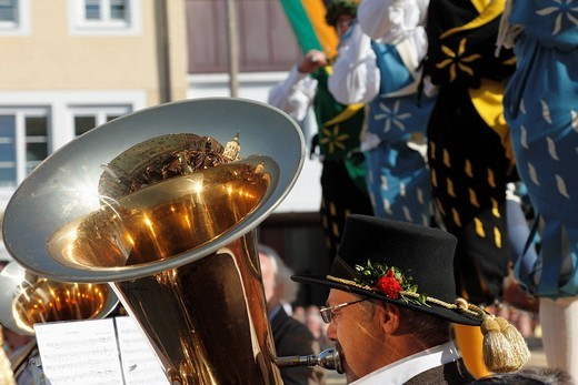 Stock Photo: 1848-204234 Musicians with tubas, historic sword dance, Georgiritt, George´s Ride, Easter Monday procession, Traunstein, Chiemgau, Upper Bavaria, Bavaria, Germany, Europe