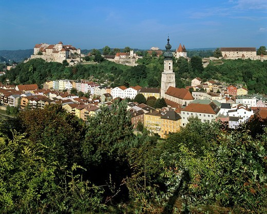 Stock Photo: 1848-205013 Old town with castle and parish church St Jacob, Burghausen an der Salzach, Altoetting district, Upper Bavaria, Germany