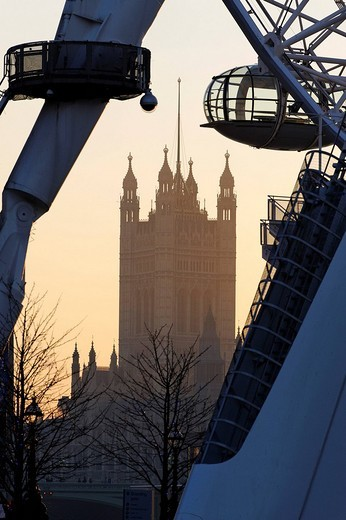 Looking through the London Eye towards the Houses of Parliament at sunset, London, England, Great Britain, Europe : Stock Photo