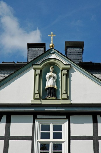 Stock Photo: 1848-208941 Facade, detail, St. Mary school, Brilon, North Rhine_Westphalia, Germany