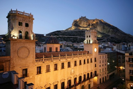 Stock Photo: 1848-209074 Spain, Alicante : Oldtown, City Hall, Anyuntamiento and Monte Benacantil hill