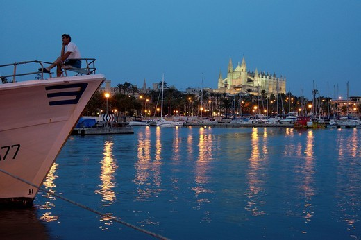 Stock Photo: 1848-210736 Harbour and cathedral at dusk, Palma de Majorca, Majorca, Spain
