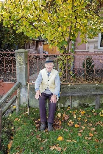 Stock Photo: 1848-211823 Portrait of a Romanian man with a hat, Cernuc, Salaj, Transylvania, Romania, Europe