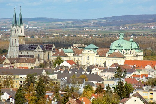 Stock Photo: 1848-212635 Stift and Monastery of Klosterneuburg in autumn, Austria