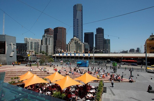 View of Southgate Complex and Eureka Tower across Federation Square, Melbourne, Victoria, Australia : Stock Photo