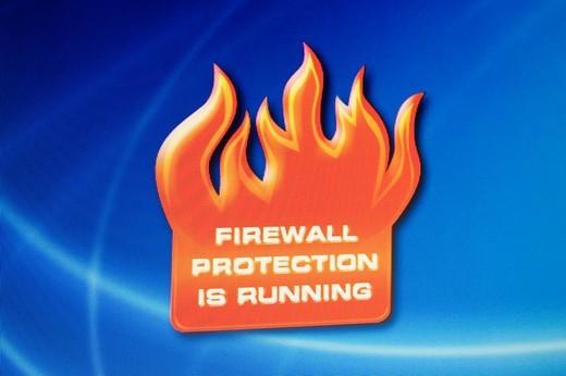 Screenshot, Computer Warning, Firewall protection is running : Stock Photo