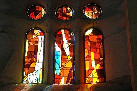 Stock Photo: 1848-215502 Colourful church window of the Sagrada Familia, Church of the Holy Family, architect Antoni Gaudi, catherdrale, Barcelona, Catalonia, Spain