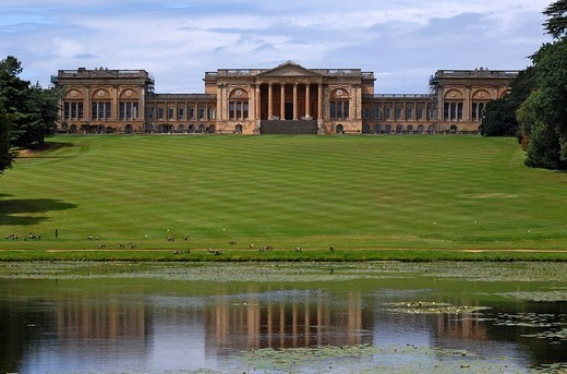 Stowe Landscape Gardens, front, Octagon Lake, rear, Stowe School, the school since 1923, architecture from 1770, Classicism, Stowe, Buckingham, Buckinghamshire, England, United Kingdom, Europe : Stock Photo