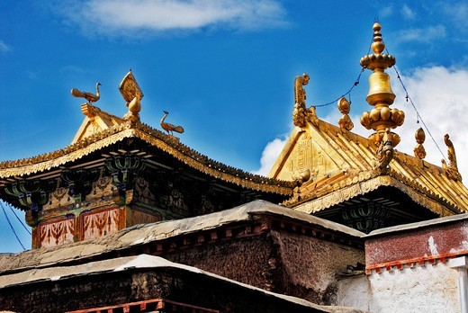 Stock Photo: 1848-217082 Facadem golden roof, Palcho Monastery or Pelkor chode or Shekar, Gyantse, Tibet