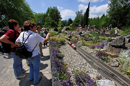 Stock Photo: 1848-218231 Mainau Island on Lake Constance, model railway attracts many enthusiastic visitors, Baden_Wuerttemberg, Germany, Europe