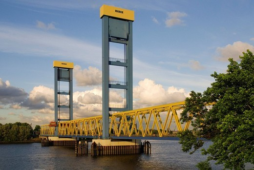 Stock Photo: 1848-21880 Kattwyk Bridge at river Suederelbe in Hamburg, Germany