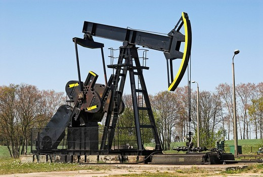 Oil pump near Neuendorf, Usedom island, Mecklenburg Western Pomerania, Germany, Europe : Stock Photo