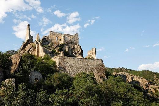 Ruin Duernstein, rock landscape, Wachau, Lower Austria, Austria : Stock Photo