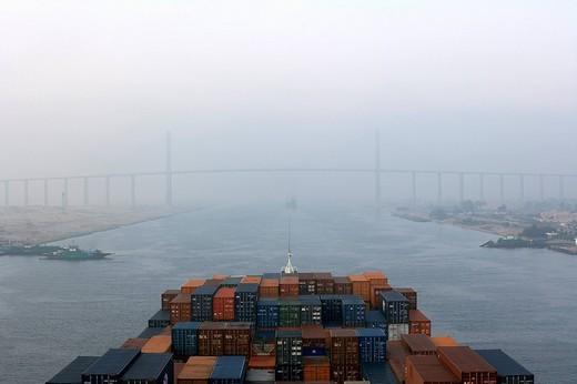 Stock Photo: 1848-222336 Container ship, Mubarak Peace Bridge, Suez Canal, El Qantara, Egypt, Northern Africa, Africa