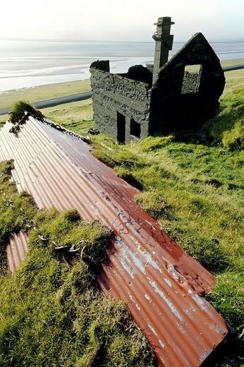 Stock Photo: 1848-223492 A run down farm building on the South Coast near Vik, Iceland, Europe